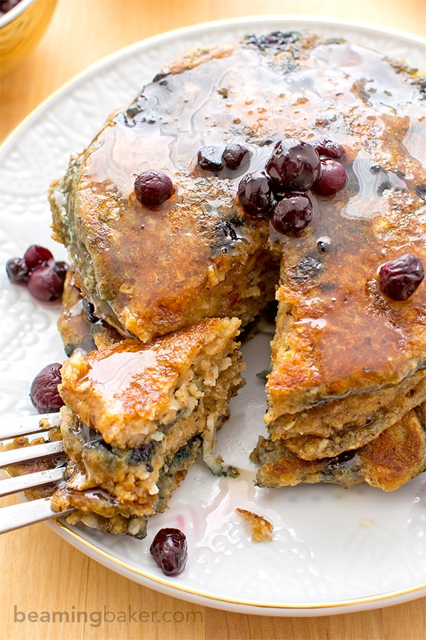 Vegan Blueberry Pancakes: An easy recipe for fluffy, moist blueberry pancakes that are perfect for a cozy breakfast or brunch. BEAMINGBAKER.COM #Vegan #OneBowl