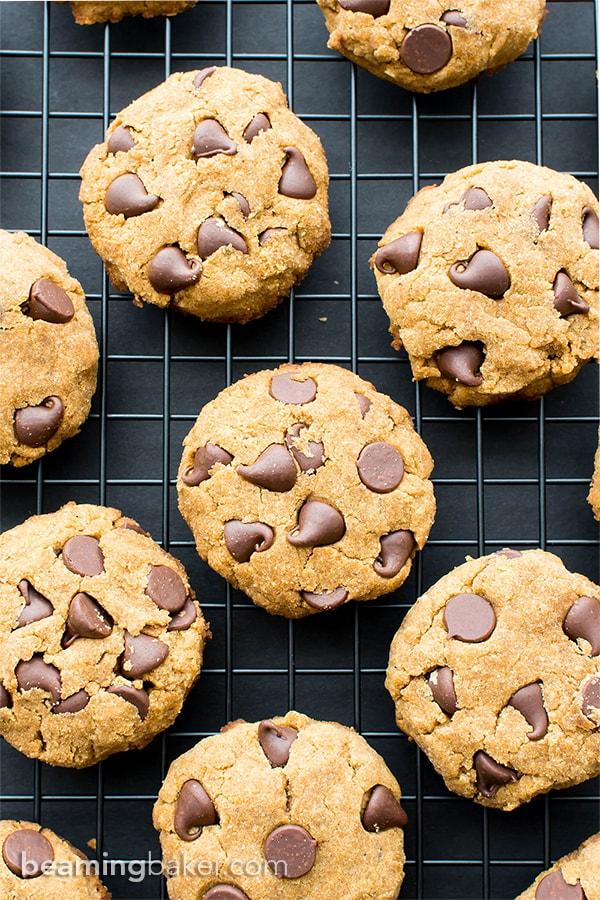 Paleo Vegan Pumpkin Chocolate Chip Cookies (V, GF, Paleo): an easy recipe for super soft pumpkin chocolate chip cookies made with whole ingredients. #Vegan #Paleo #GlutenFree #DairyFree | BeamingBaker.com