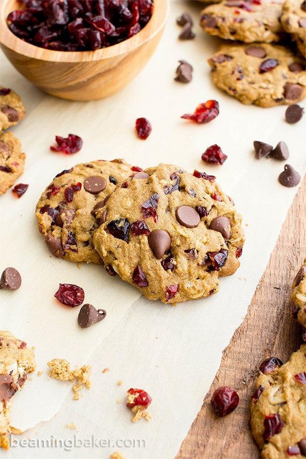 Vegan Cranberry Chocolate Chip Cookies (V, GF, DF): an easy recipe for oat flour cranberry chocolate chip cookies made with whole ingredients. #Vegan #GlutenFree #OatFlour #DairyFree | BeamingBaker.com