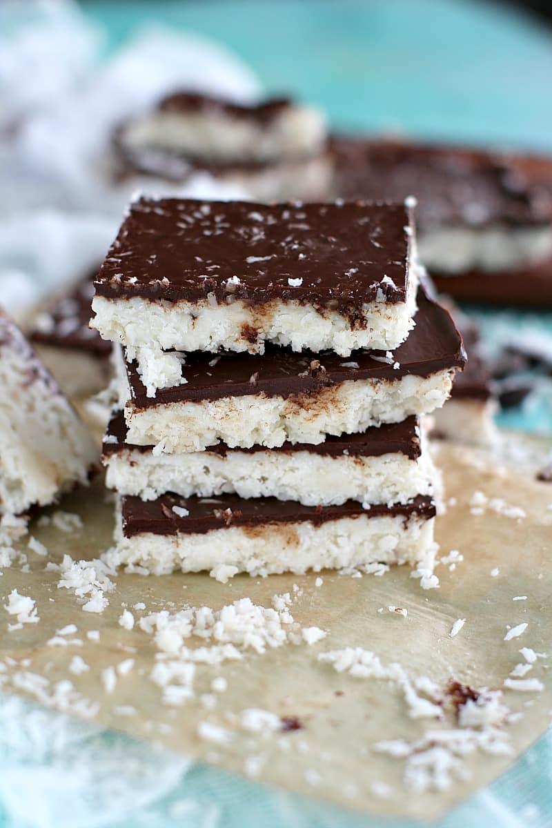 15 No Bake Paleo Vegan Desserts: a roundup of easy, delicious paleo vegan recipes that are delightfully no bake. #Paleo #Vegan #GlutenFree #DairyFree | BeamingBaker.com