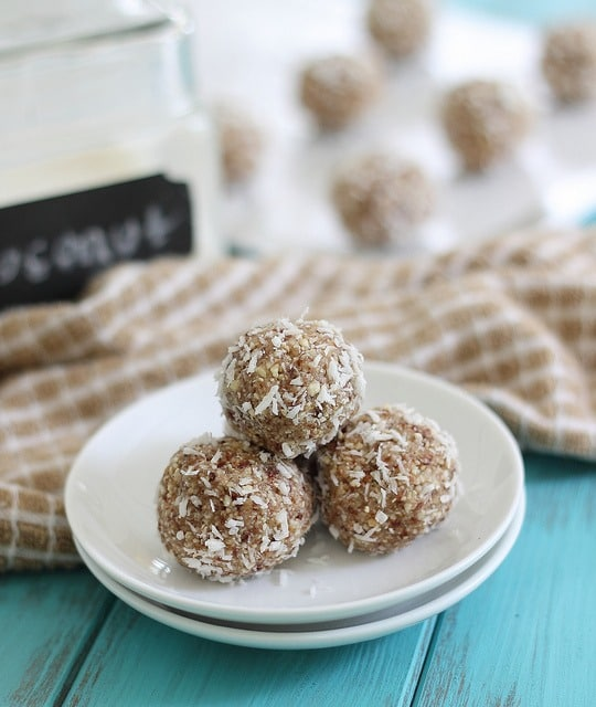 15 Healthy Protein-Packed No Bake Energy Bite Recipes (V, GF): a tasty collection of protein-rich no bake bites made with whole ingredients. #Paleo #Vegan #GlutenFree #DairyFree   BeamingBaker.com