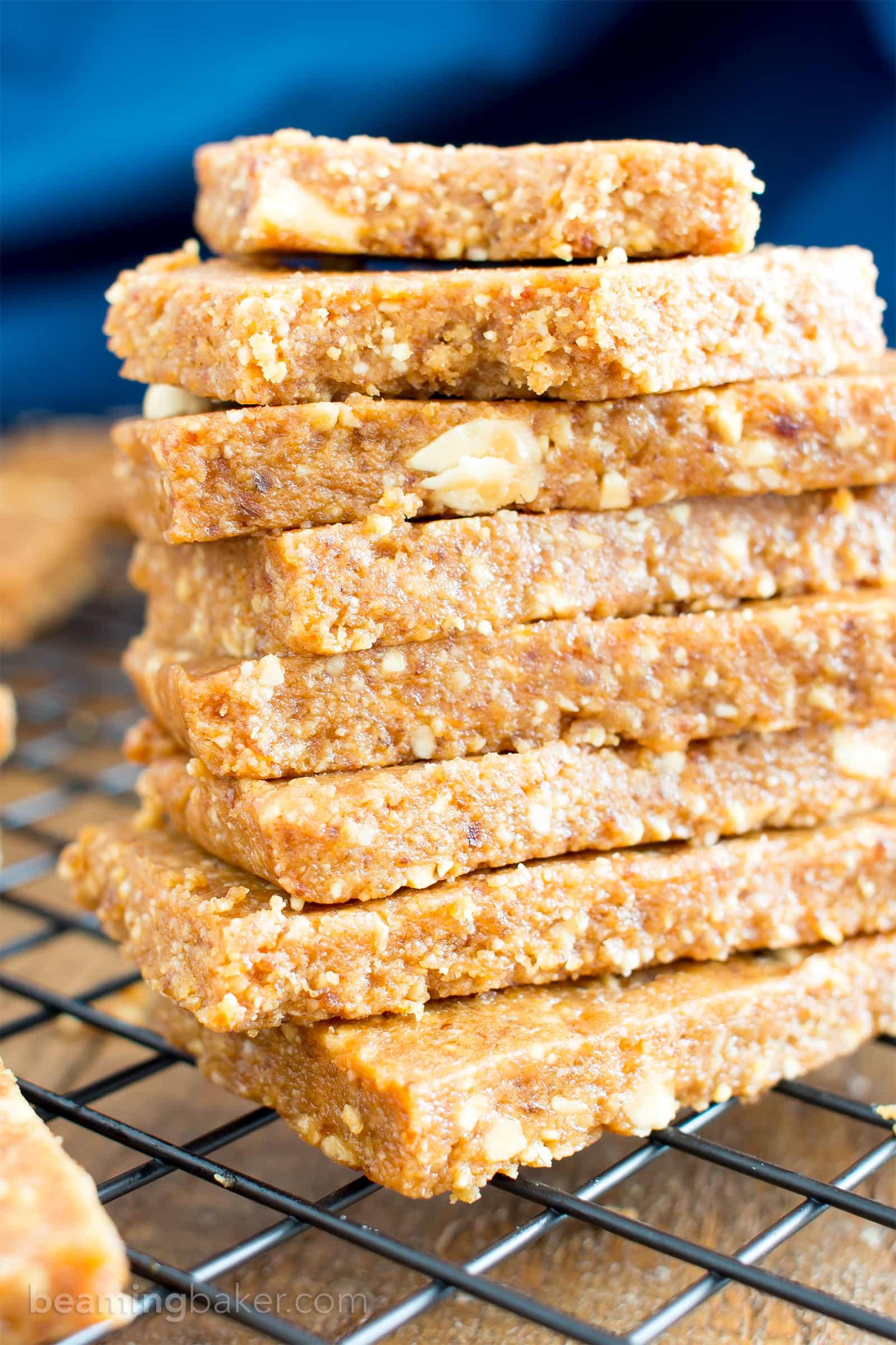 4 Ingredient No Bake Peanut Butter Cookie Energy Bars (V, GF, DF): an easy recipe for simple salty 'n sweet energy bars that taste like peanut butter cookies! #Vegan #GlutenFree #ProteinPacked #DairyFree | BeamingBaker.com