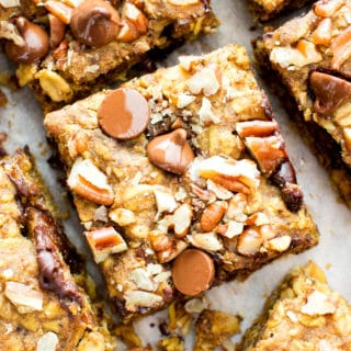 Gluten Free Pumpkin Chocolate Chip Oatmeal Breakfast Bars (Vegan, GF, Dairy-Free, Refined Sugar-Free)