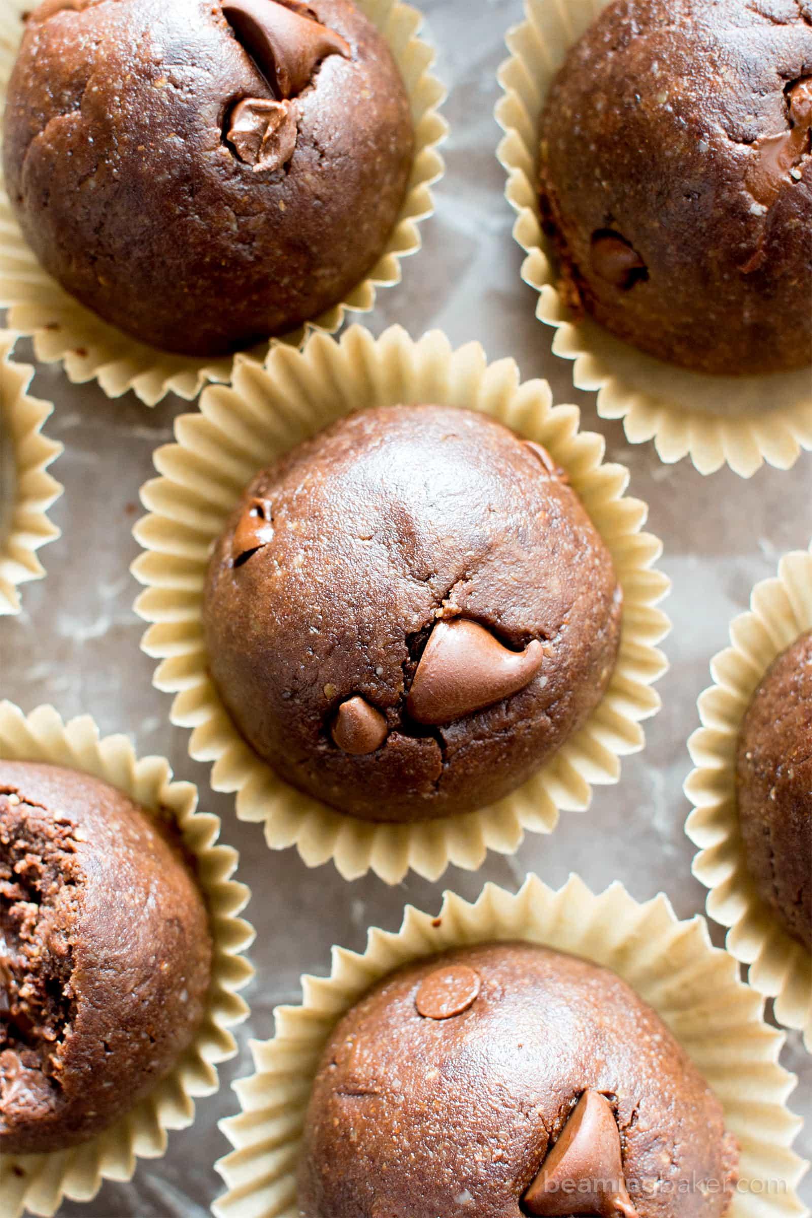 No Bake Almond Butter Paleo Brownie Bites (V, GF): Melt in your mouth fudgy paleo brownie bites that taste like a bite of pure chocolate. #Vegan #Paleo #DairyFree #GlutenFree #Chocolate   Recipe on BeamingBaker.com