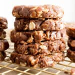 4 Ingredient No Bake Chocolate Peanut Butter Oatmeal Cookies (V, GF, DF): an easy recipe for perfectly chewy no bake peanut butter cookies bursting with chocolate flavor. #Vegan #GlutenFree #DairyFree #Chocolate #Cookies | Recipe on BeamingBaker.com