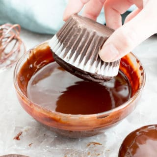 How to Make Chocolate Ganache Recipe (V, GF): an easy step-by-step tutorial for 5-minute rich, decadent chocolate ganache! #Vegan #GlutenFree #Paleo #Vegan #VeganDesserts #Chocolate #Desserts #DairyFree | Recipe on BeamingBaker.com