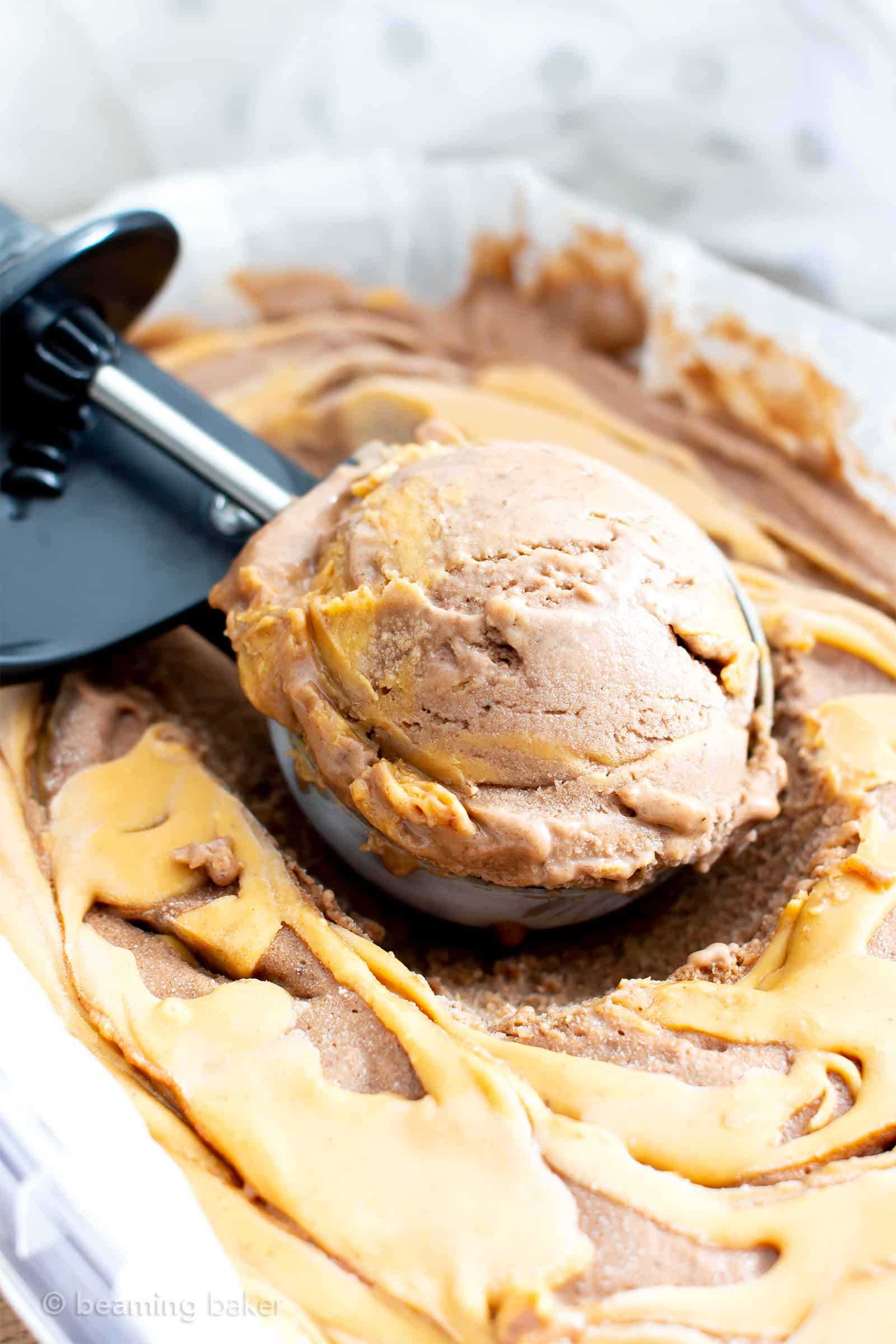 Healthy No Sugar Added Chocolate Peanut Butter Ice Cream (V, DF): a super easy, 5-ingredient recipe for the BEST deliciously creamy and chocolatey no churn peanut butter ice cream. #Vegan #DairyFree #IceCream #Paleo option #HealthyDesserts #PeanutButter #NoSugarAdded #Bananas | Recipe at BeamingBaker.com