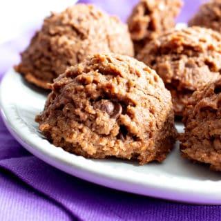 Paleo Chocolate Coconut Macaroons Recipe (Vegan, Gluten-Free, Dairy-Free, Healthy)
