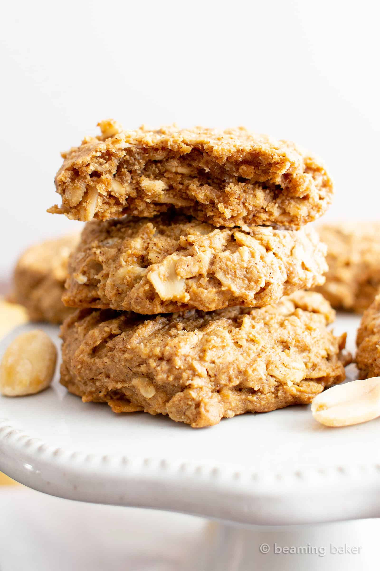Oil-Free Peanut Butter Oatmeal Breakfast Cookies (V, GF): chewy 'n healthy breakfast cookies bursting with peanut butter flavor and packed with nutritious ingredients! #Vegan #GlutenFree #BreakfastCookies #BeamingBaker #GlutenFreeVegan #OilFree #PeanutButter #Oatmeal #VeganCookies | Recipe at BeamingBaker.com