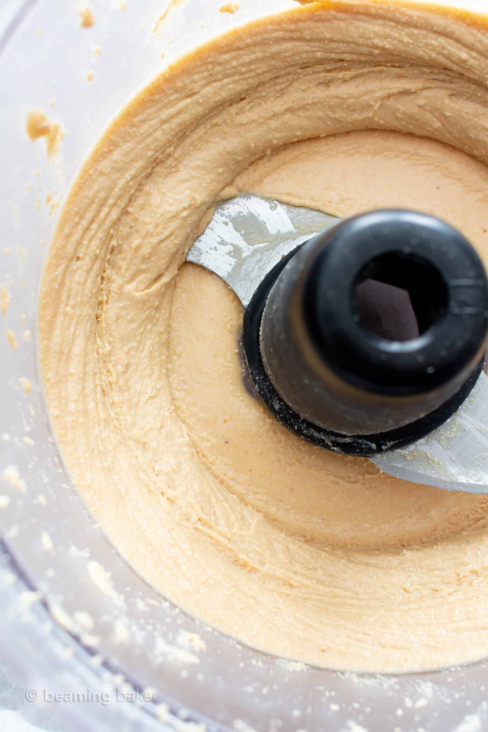 Homemade Cashew Butter: learn how to make cashew butter with just 1 ingredient and a few minutes! Step-by-step tutorial with clear, detailed pics to follow along. #CashewButter #CashewNutButter #Homemade #Cashews | Recipe at BeamingBaker.com