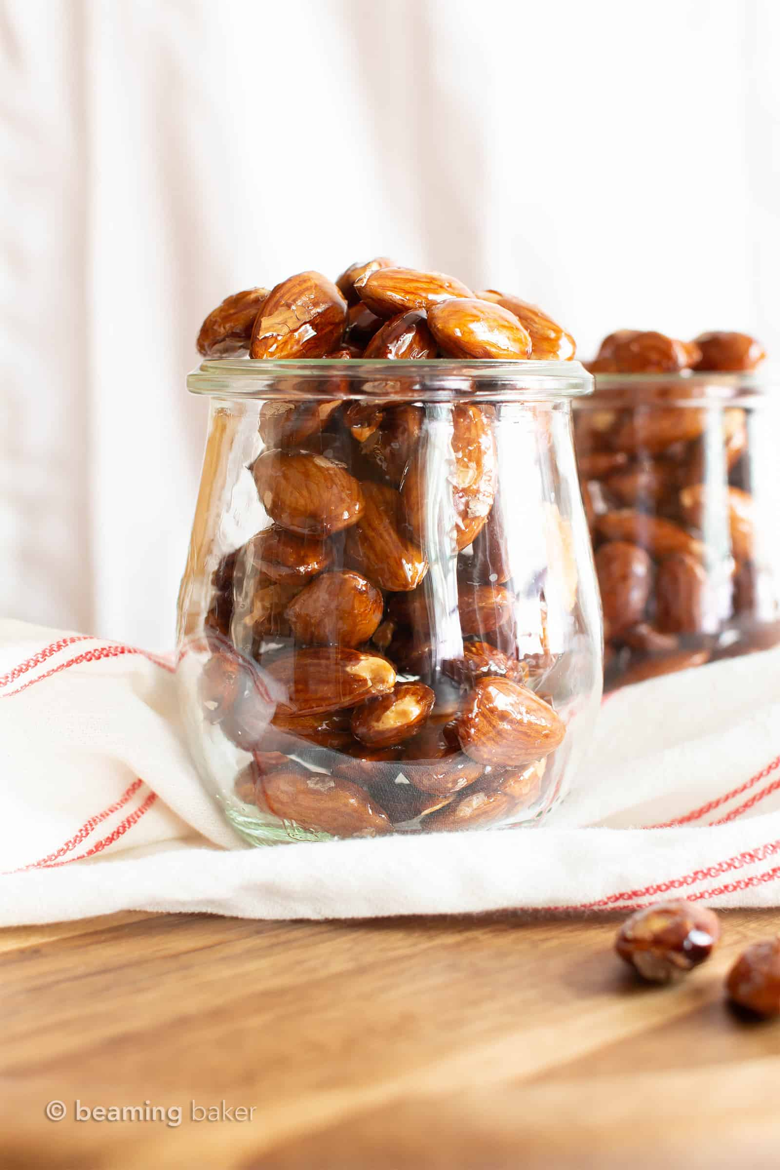 Paleo Candied Almonds: 5-minute stovetop EASY candied almonds recipe! Learn how to make the BEST vegan candied almonds—sweet, healthy & gluten free! #Almonds #Paleo #Vegan #Healthy #Christmas   Recipe at BeamingBaker.com