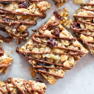 Salted Chia Chocolate Healthy Vegan Snack Bars: the best vegan snack bars recipe—chewy & delicious, packed with nutty crunch and EASY to make! Gluten Free, Dairy-Free. #Snacks #Bars #Vegan #Healthy | Recipe at BeamingBaker.com