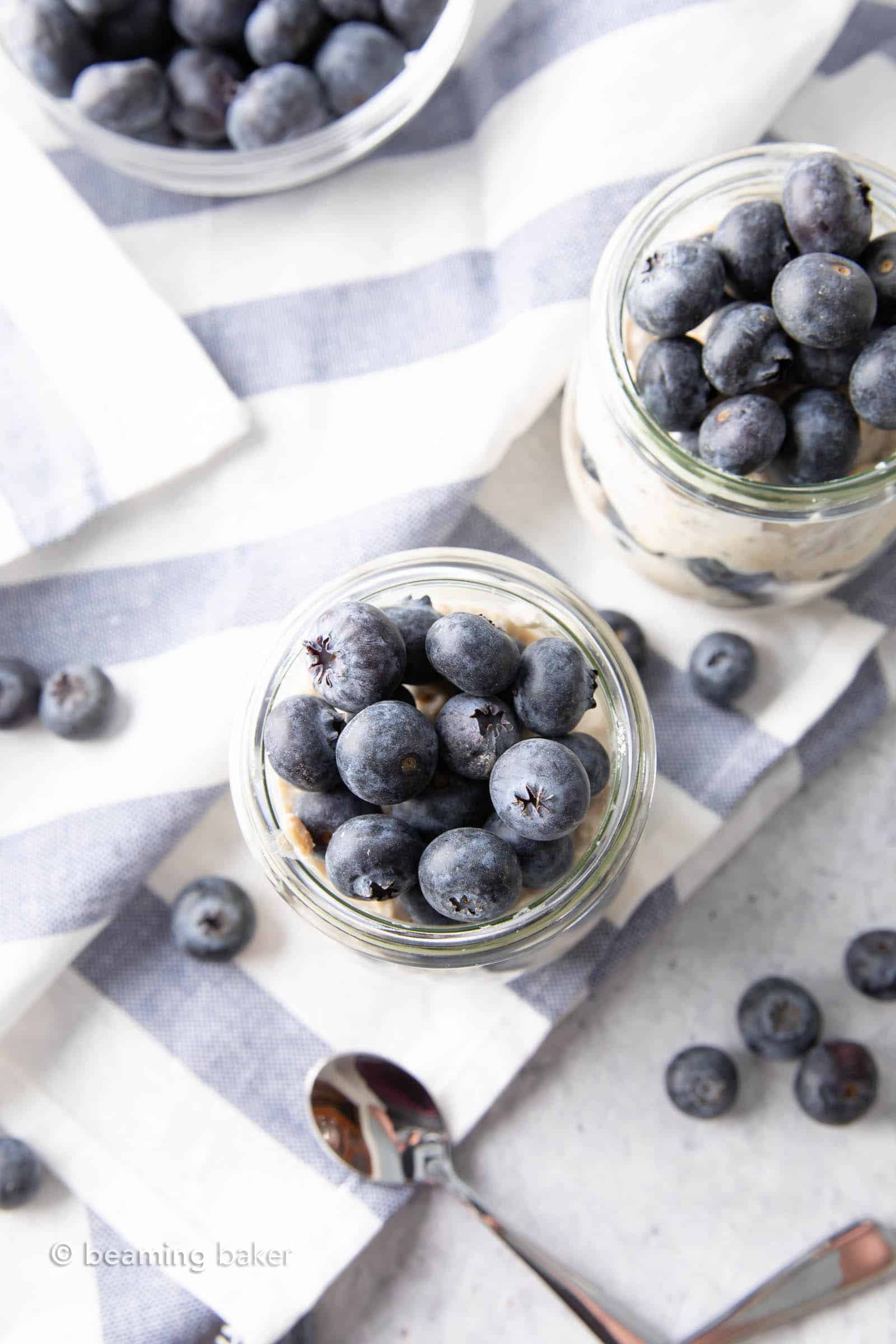 Healthy Overnight Oats with Almond Milk and Blueberries: learn how to make overnight oats with almond milk! Quick & easy almond milk breakfast in a jar—the best overnight oats with almond milk. #OvernightOats #AlmondMilk #Breakfast #Healthy | Recipe at BeamingBaker.com