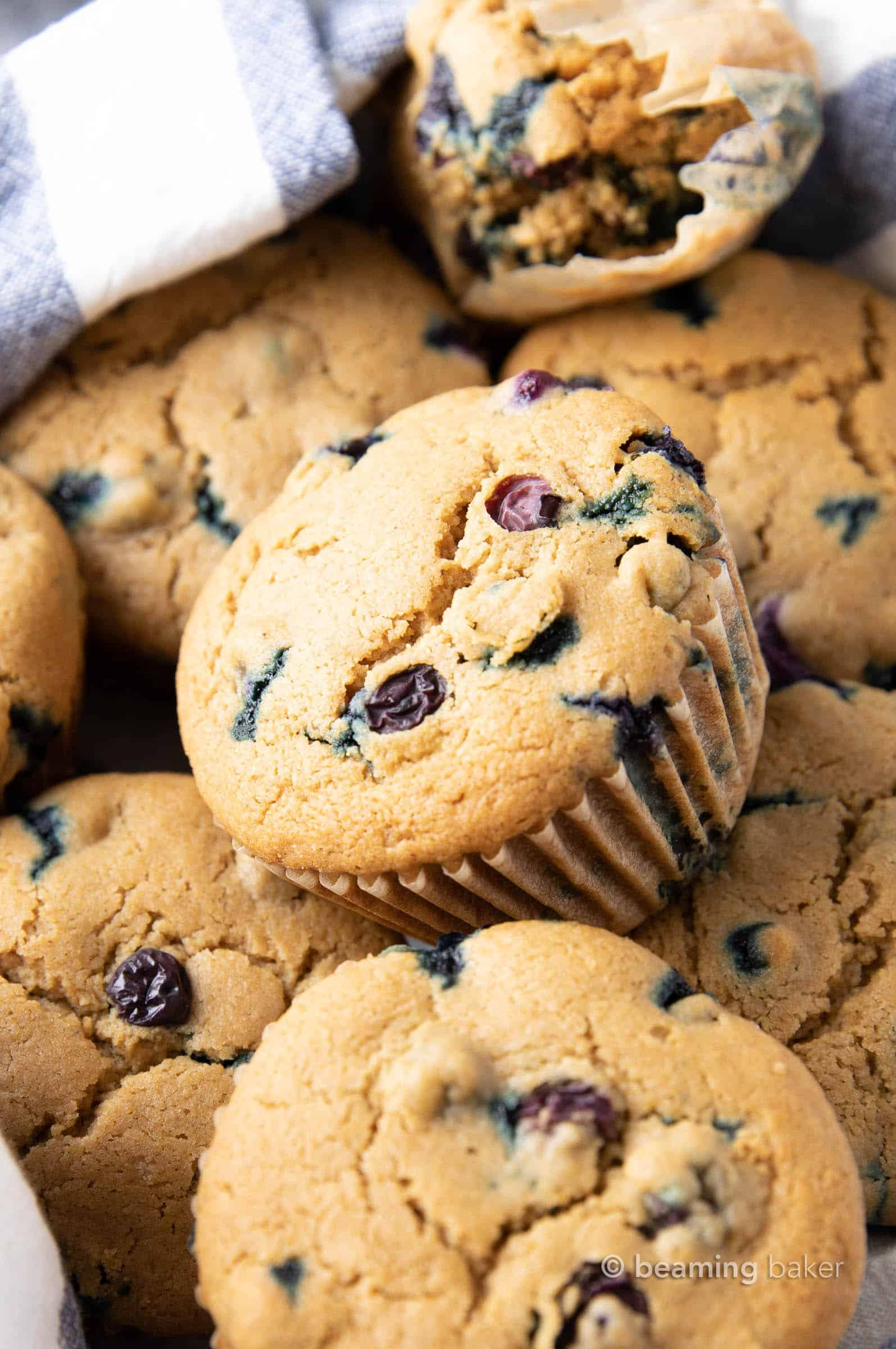 Easy Healthy Muffin Recipes (V, GF): the best healthy muffin recipes, including healthy blueberry muffins, healthy banana muffins, healthy pumpkin muffins and more! Healthy, Vegan, Gluten Free. #Muffins #Healthy #HealthyBreakfast #Vegan #GlutenFree | Recipes at BeamingBaker.com