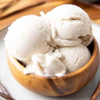 Vanilla Keto Ice Cream (Low Carb): this easy keto vanilla ice cream recipe is rich & creamy with delicious vanilla flavor! The best vanilla keto ice cream recipe—low carb, easy keto-friendly ice cream maker recipe, dairy-free! #KetoDessert #KetoIceCream #LowCarb #LowCarbIceCream #IceCream | Recipe at BeamingBaker.com