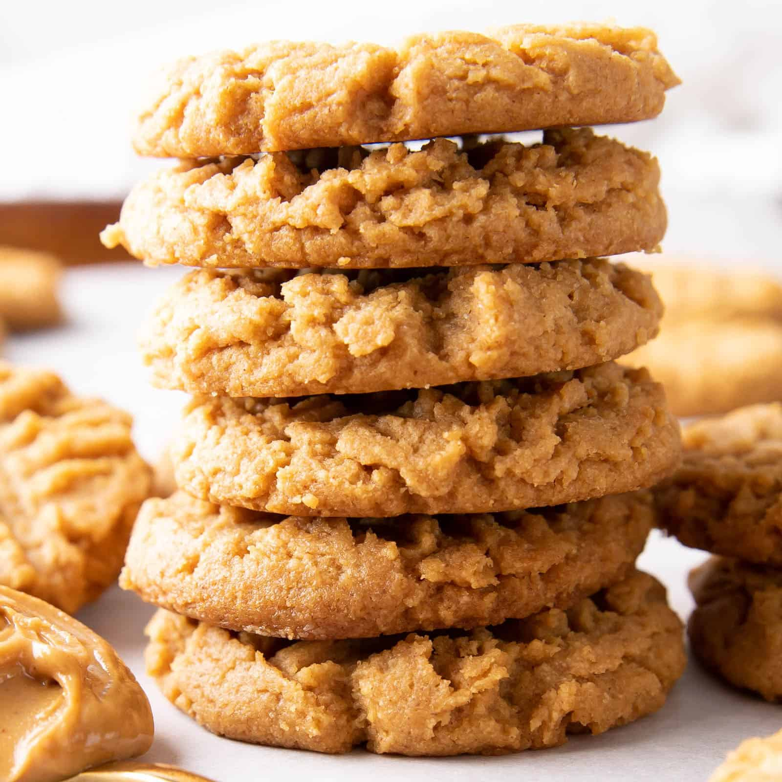 Keto Peanut Butter Cookies (Keto, Low Carb): this keto peanut butter cookie recipe is made with 4 ingredients, EASY and delicious! The best keto PB cookies—Keto-friendly, low carb, gluten free and vegan. #Keto #KetoDessert #LowCarb #PeanutButter | Recipe at BeamingBaker.com
