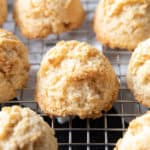 Keto Coconut Macaroons Recipe: this 4 ingredient keto macaroons recipe is gluten free & easy to make! The best Low Carb coconut macaroons—chewy & moist inside, crispy golden exterior. #Keto #LowCarb #GlutenFree #Coconut #Macaroons | Recipe at BeamingBaker.com