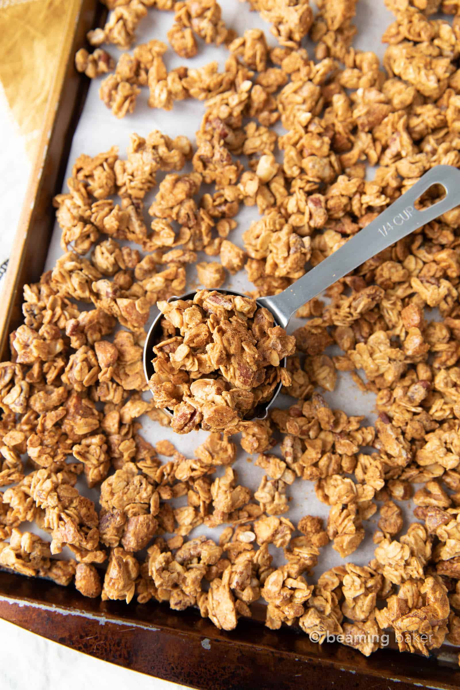 4 Ingredient Almond Butter Granola: this super easy almond butter granola recipe calls for just 4 ingredients and a few mins of prep! Healthy almond butter granola was never so easy! #AlmondButter #Granola #Healthy #Recipe | Recipe at BeamingBaker.com
